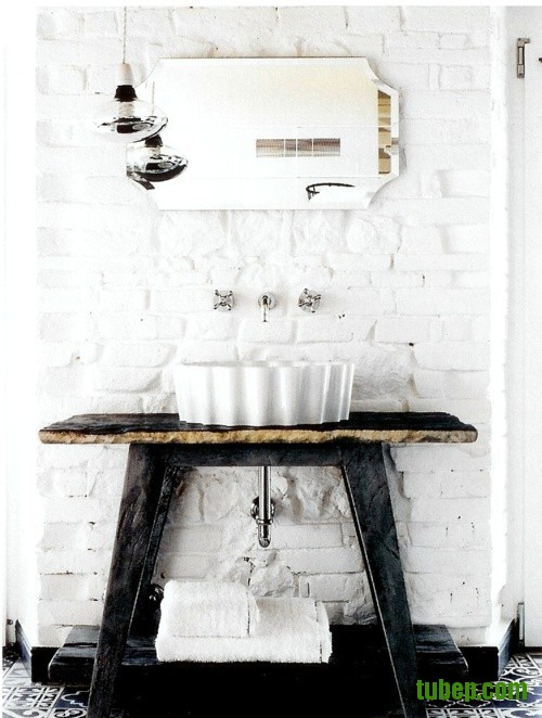stylish-bathrooms-with-brick-walls-and-ceilings-10