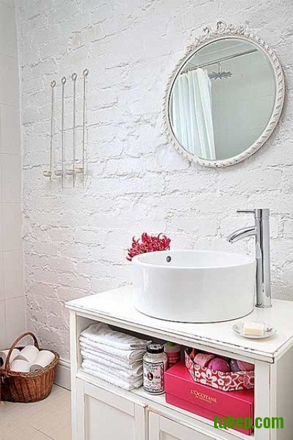 stylish-bathrooms-with-brick-walls-and-ceilings-21