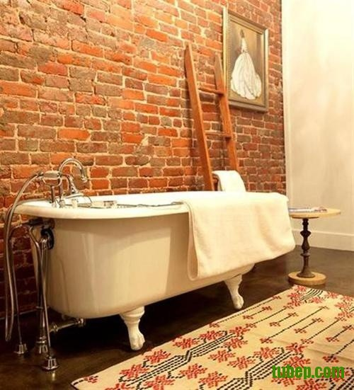 stylish-bathrooms-with-brick-walls-and-ceilings-26