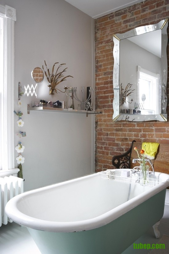 stylish-bathrooms-with-brick-walls-and-ceilings-34