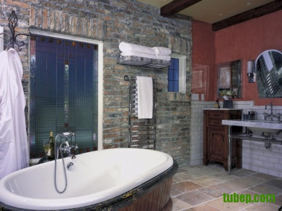 stylish-bathrooms-with-brick-walls-and-ceilings-46-554x415