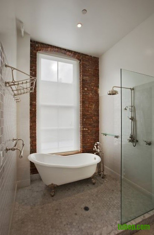 stylish-bathrooms-with-brick-walls-and-ceilings-9