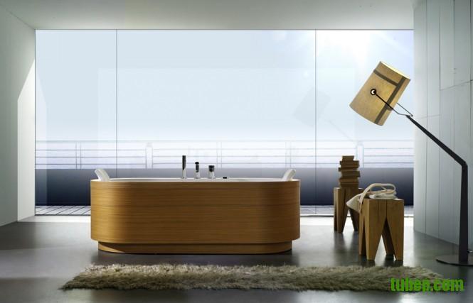 timber-finish-bathtub-665x427