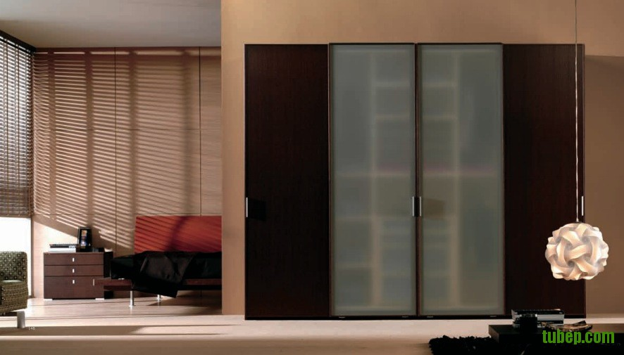 modern-sliding-door-wardrobe