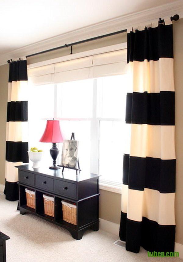 Rèm cửa kẻ ngang thích hợp cho căn phòng có chiều cao lý tưởng và diện tích rộng rãi