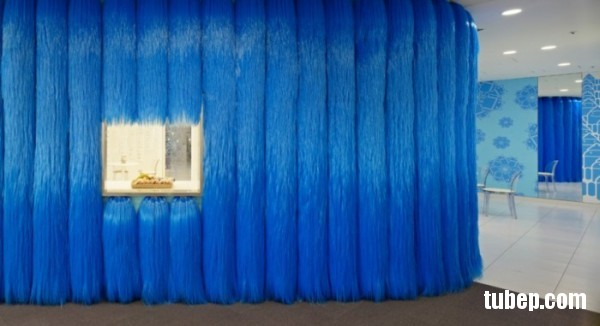 2-furry-blue-creative-wall-600x326