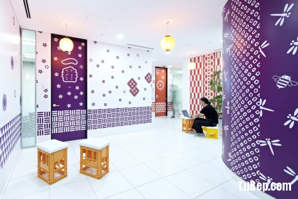 24-creative-office-purple-walls-600x400