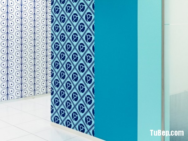 9-bold-blue-patterened-walls-600x450