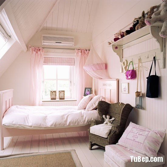Classic-pink-childs-bedroom-with-painted-wood-floor-and-walls-Homes--Gardens-Housetohome-9851c