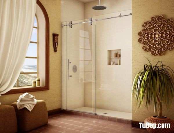Elegant-shower-space-with-sliding-glass-doors-0f630