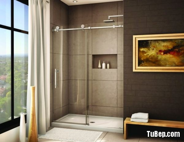 Nice-little-niche-for-the-shower-enclosure-saves-up-on-space-0f630