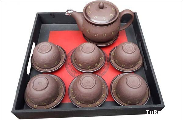 chon-mua-bo-am-chen-uong-tra-sieu-dep-don-tet-_002