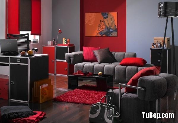 Pokoj hiphopowca w kolorze czerni, pomaranczu i czerwieni. Stylizacja: Katarzyna Sawicka
