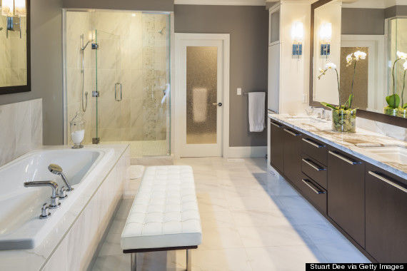Ensuite bathroom in modern home