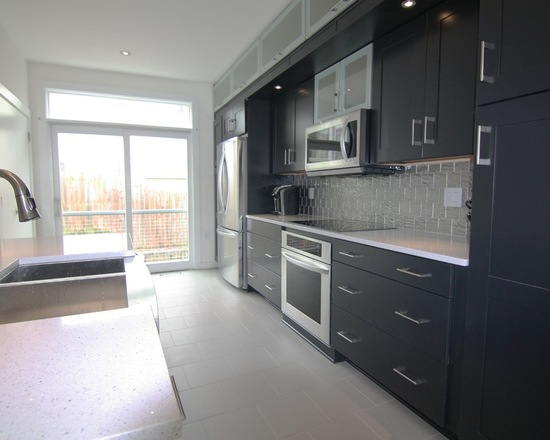 8ef1483204eb7385_4489-w550-h440-b0-p0--modern-kitchen