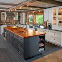 7c21f31c093054c8_1730-w550-h440-b0-p0--rustic-kitchen