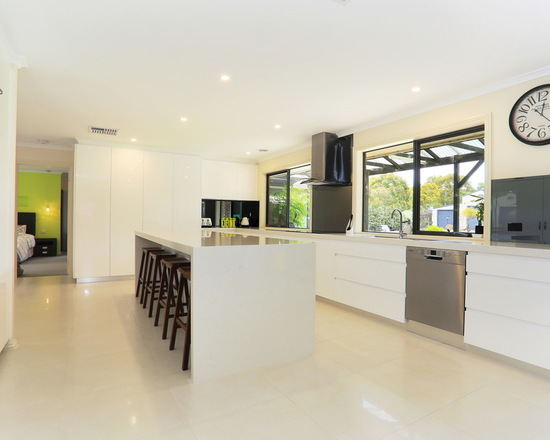 c31170e304c72498_0413-w550-h440-b0-p0--modern-kitchen