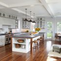 e3c153890480bee4_5121-w550-h440-b0-p0-q93--beach-style-kitchen