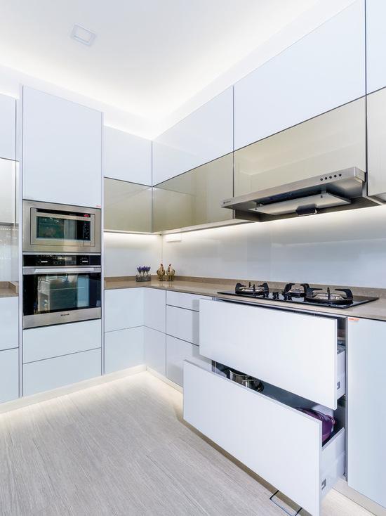 b451e7ec066a580a_9099-w550-h734-b0-p0--modern-kitchen