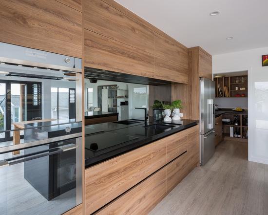 a911eecb06f09944_3280-w550-h440-b0-p0--modern-kitchen