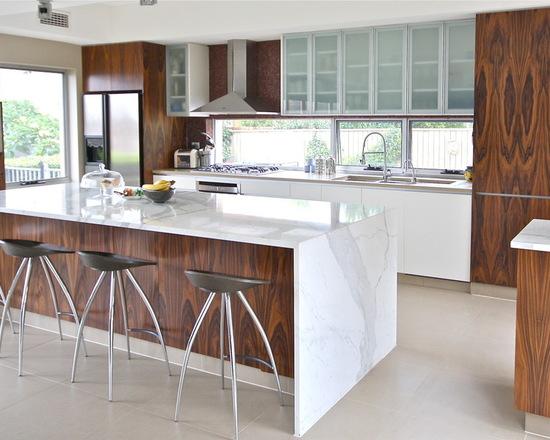 8211e30c03a77676_3771-w550-h440-b0-p0--modern-kitchen