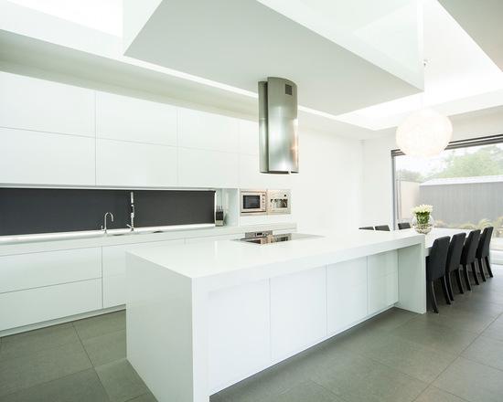 6131adcd03fd47a4_6548-w550-h440-b0-p0--modern-kitchen
