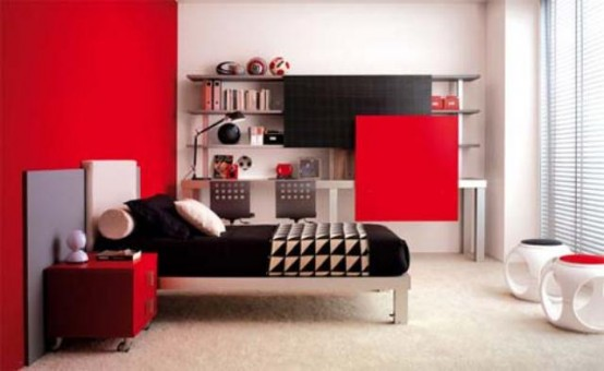 red-accents-in-bedrooms-10-554x340