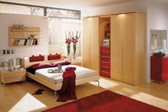 red-accents-in-bedrooms-18-554x369
