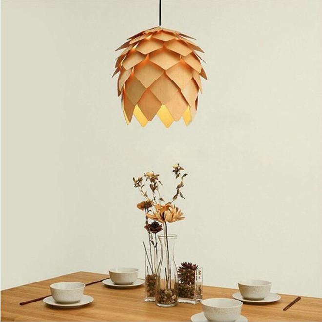 goi-y-nhung-mau-den-trang-tri-phong-khach-dep-nhat-modern-art-wooden-pinecone-pendant-lights-home-res-1508122369-width660height660