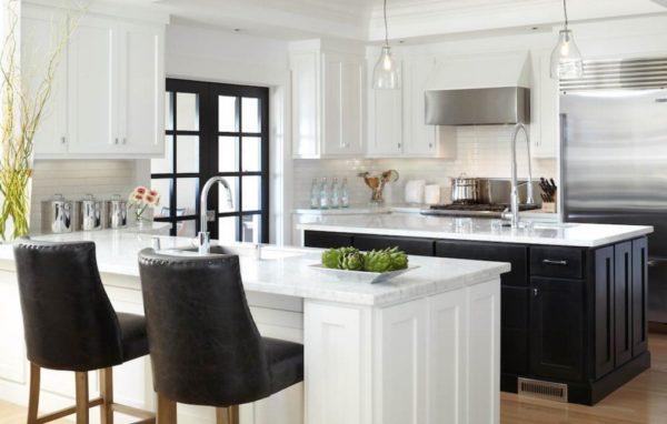 black-and-white-kitchen-2-600x382