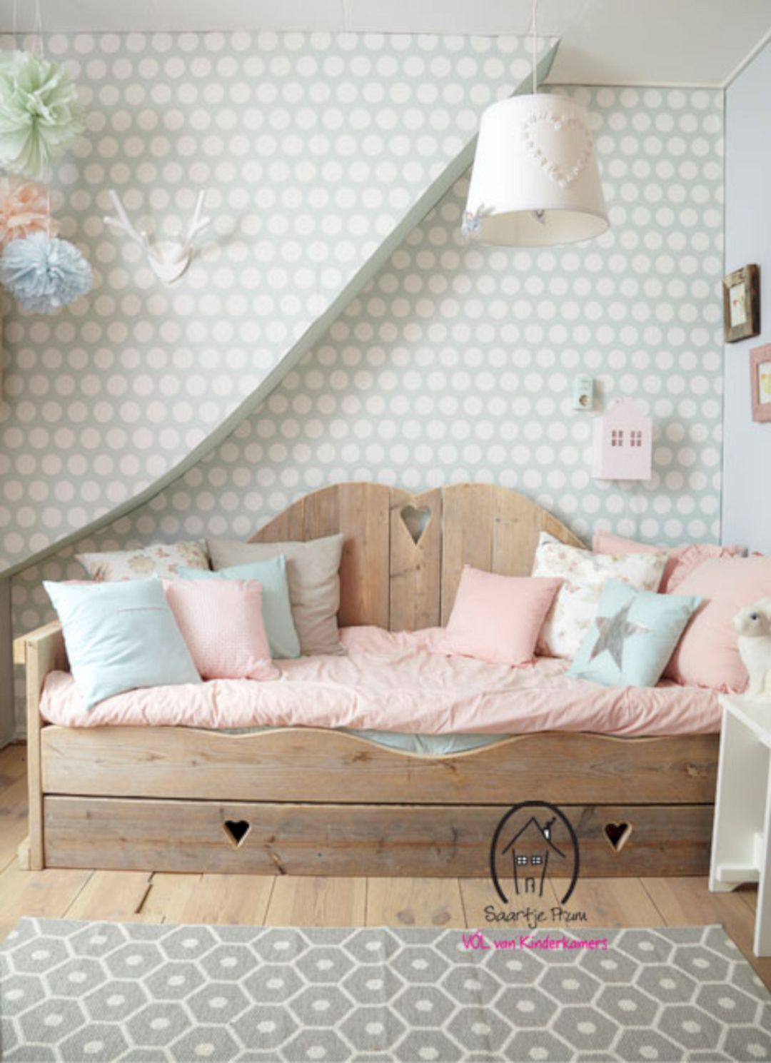 charming-kids-bedroom-decor-idea-78-1533698682717725844731