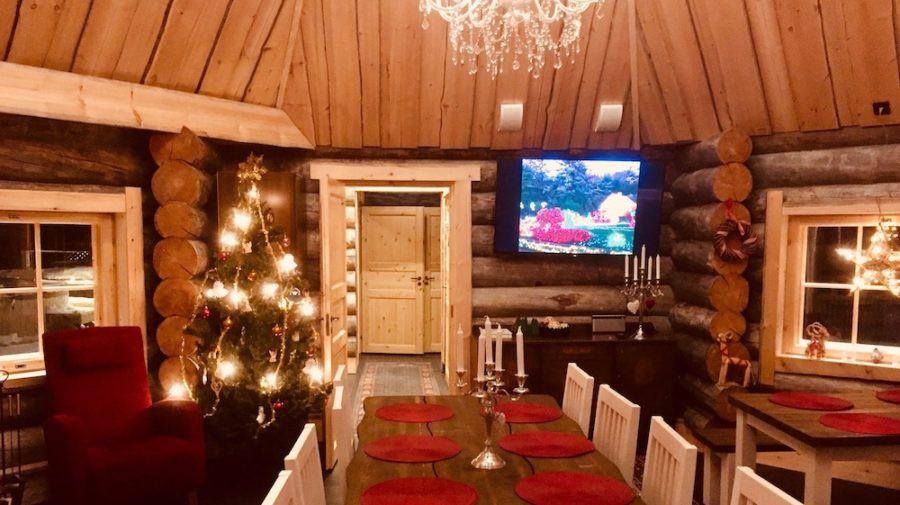 happy-fox-log-sauna-and-snack-winter-dinner-room-rovaniemi-lapland-finland-900x505-15444949060331123020830